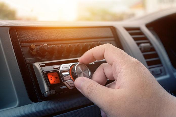 Radio samochodowe — czym kierować się przy wyborze?