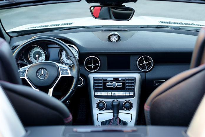 Samochód z automatyczną czy manualną skrzynią biegów?